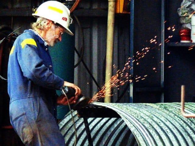 lavoro fabbrica operaio