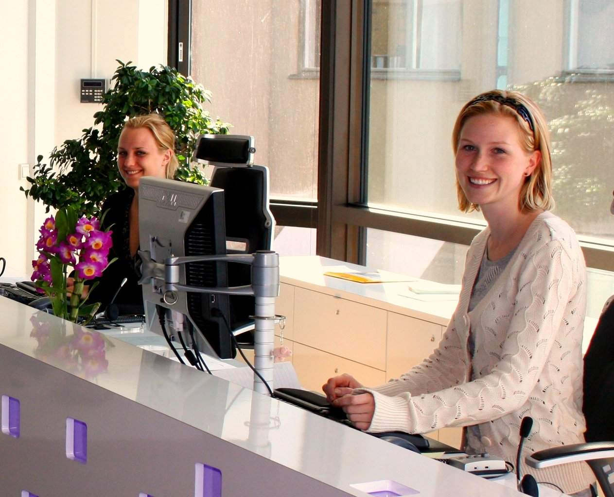 Offerte di lavoro per receptionist in tutta italia bianco lavoro magazine - Offerte di lavoro piastrellista milano ...