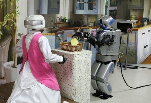 robot che lavorano in casa