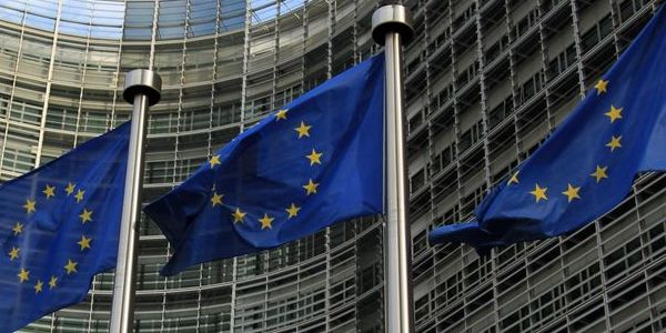 Lavorare nell unione europea concorso per 30 assistenti for Lavori parlamentari