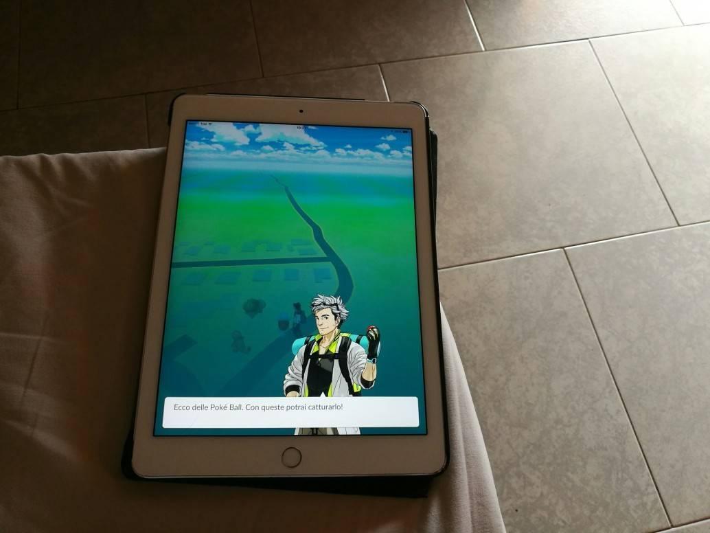 Pokémon go: ci si può anche lavorare a 15 euro lora bianco