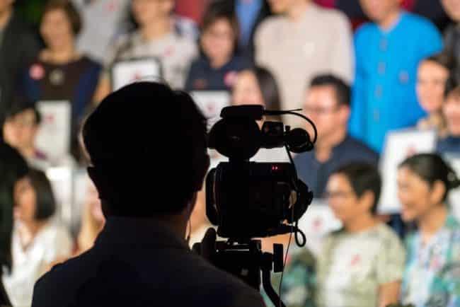 fare pubblico in tv